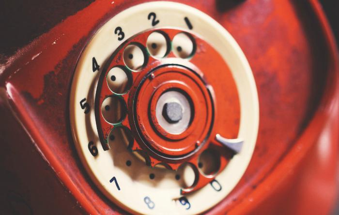 Как вести телефонный разговор на английском языке: полезные фразы